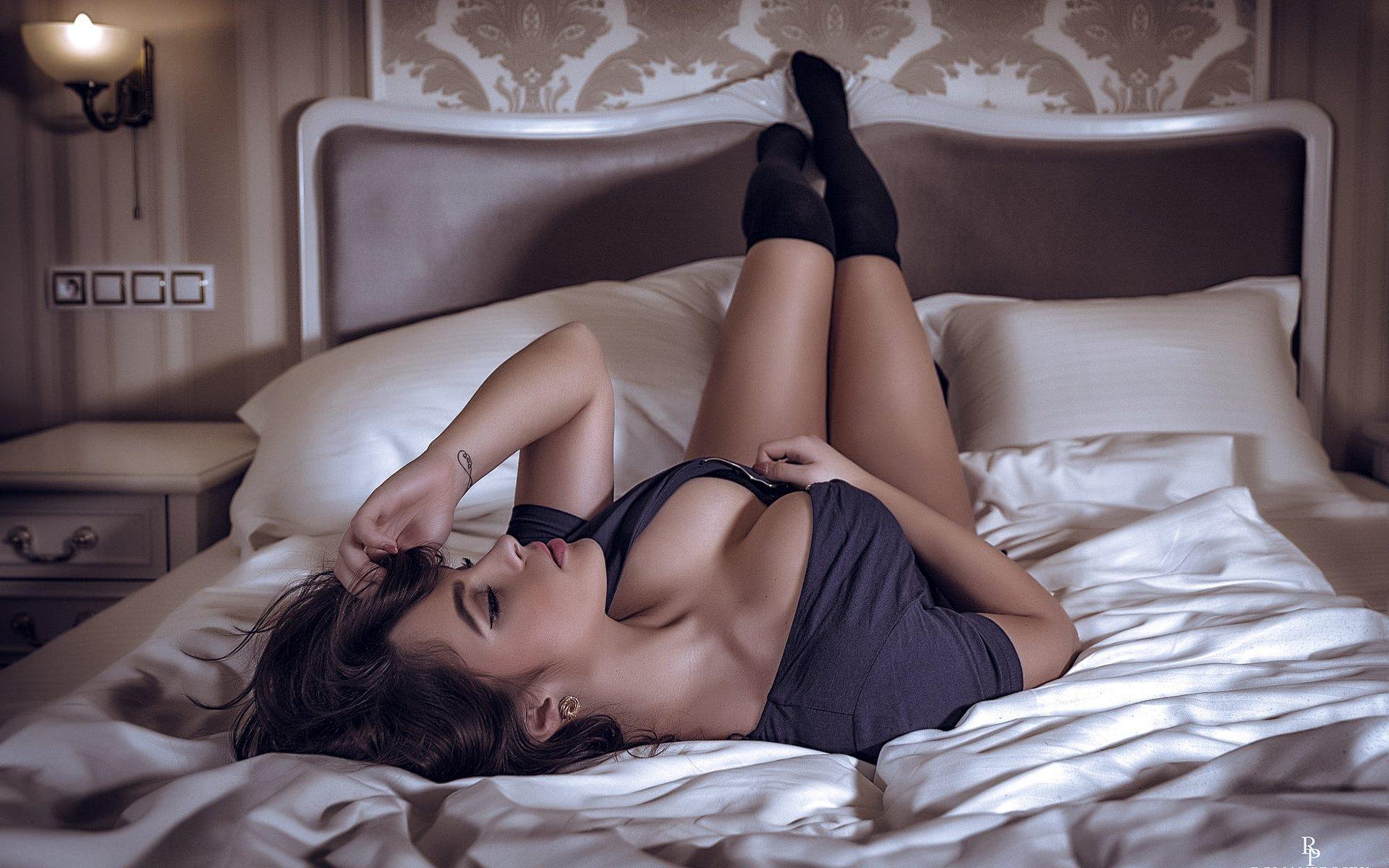 Lingam massage - new technology in the erotic massage salon