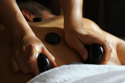 Элементы стоунтерапии для спины